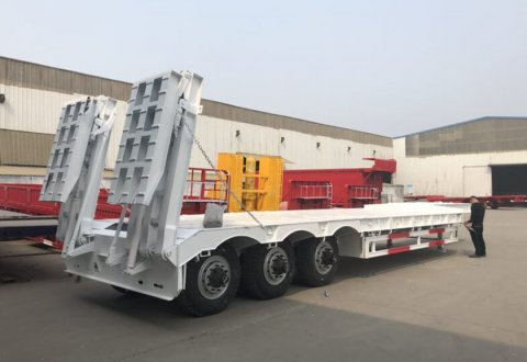 China 3 axle 60 tons low bed trailer